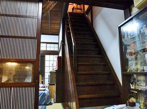 Traditional japanese shophouse in tokyo for sale japan for Japan homes for sale