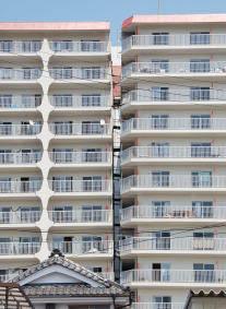 100 condominiums in Sendai City need rebuilding