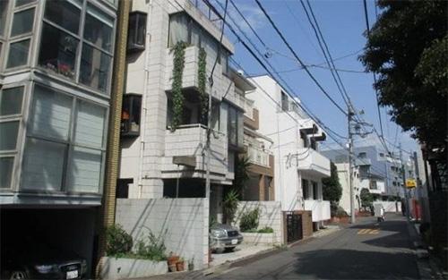 Minamiazabu
