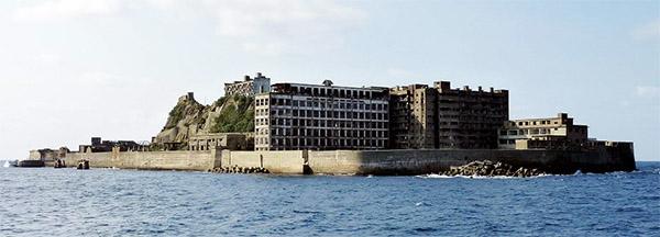 Nagasaki to protect and preserve old buildings on Gunkanjima