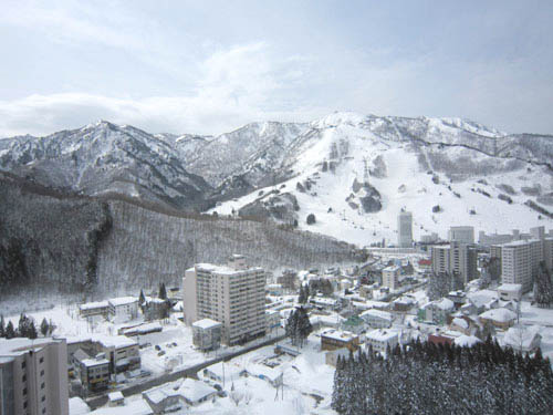 Desperate sellers in ski resort town forced to pay buyers to offload apartments
